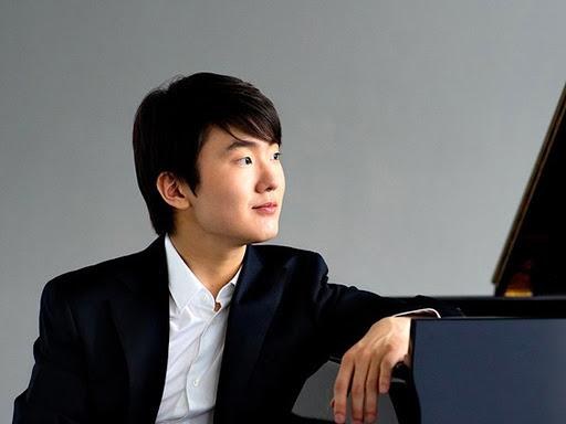 Un pianista excepcional interpretant Chopin
